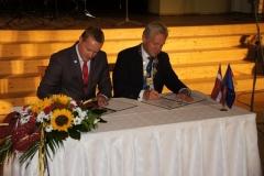 9_unterzeichnung_der_partnerschaft